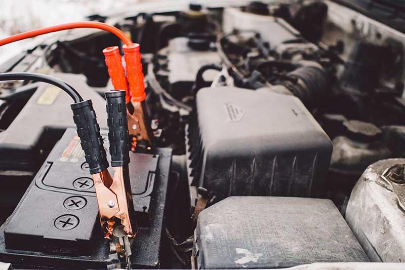 comment recharger batterie voiture