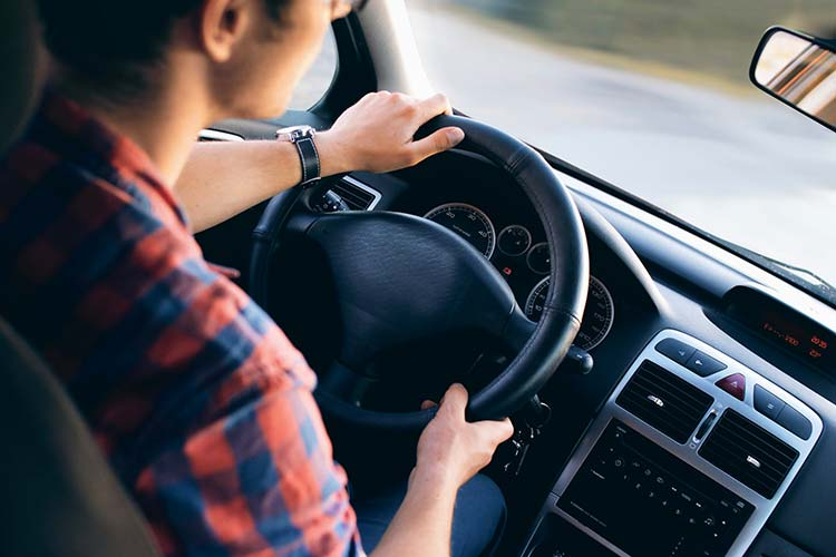 Comment choisir son assurance auto jeune conducteur ?