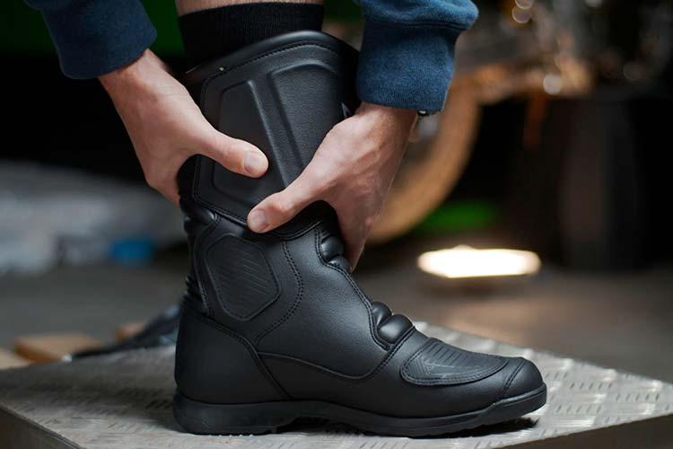 Comment choisir une paire de bottes moto ?